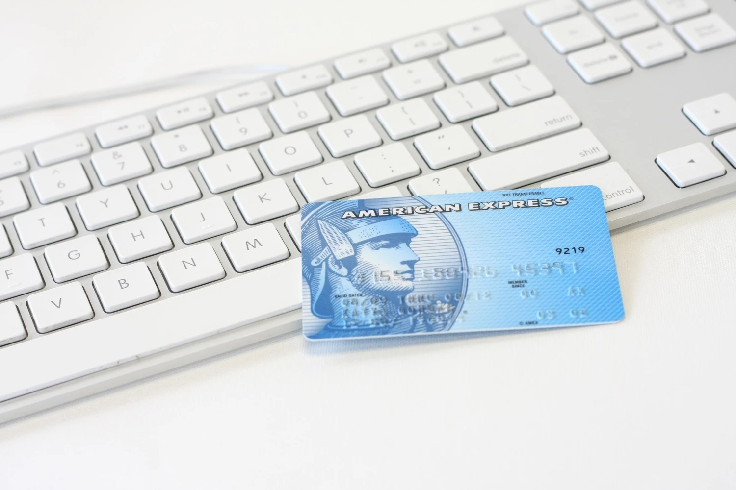 How to start a successful E-commerce business on a budget 0